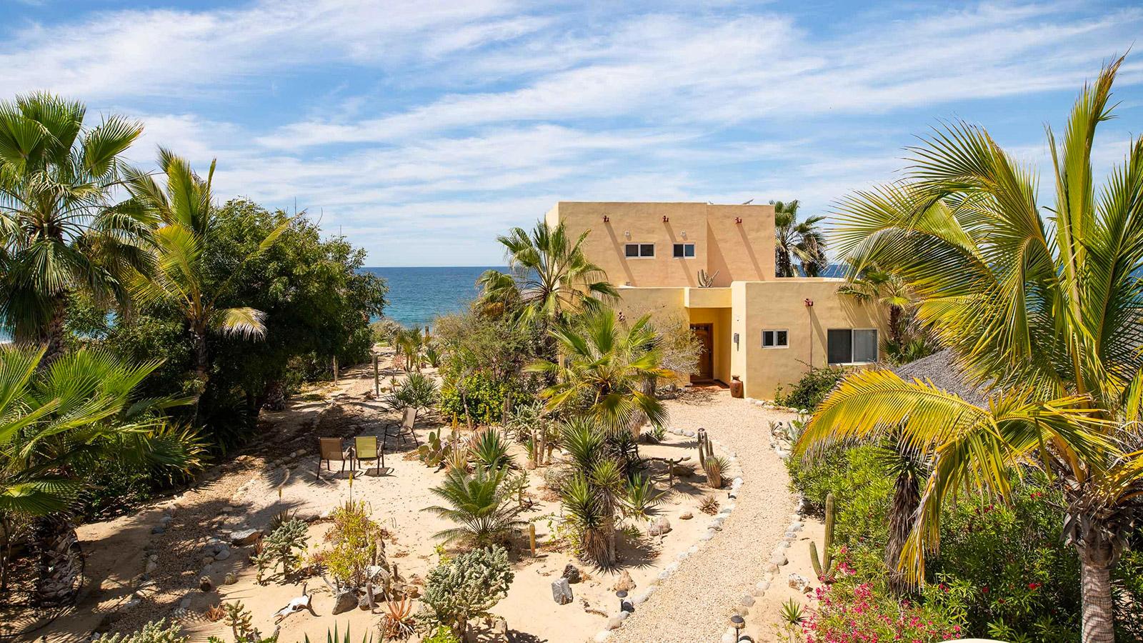 Casa Paloma Beachfront